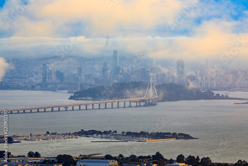Foto View from Grizzly Peak in Berkeley Hills onto Bay Bridge and San Francisco with
