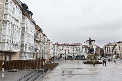 Vitoria-Gasteiz, plaza de la Virgen Blanca. España.