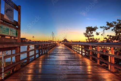 Fotografija Sunrise over Naples City Dock in Naples, Florida.