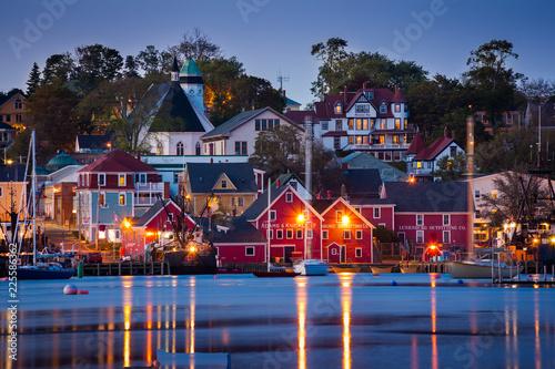 Fotografia View of the famous harbor front of Lunenburg, Nova Scotia, Canada