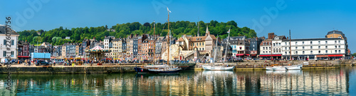 Fotografia Panorama of the harbour of Honfleur