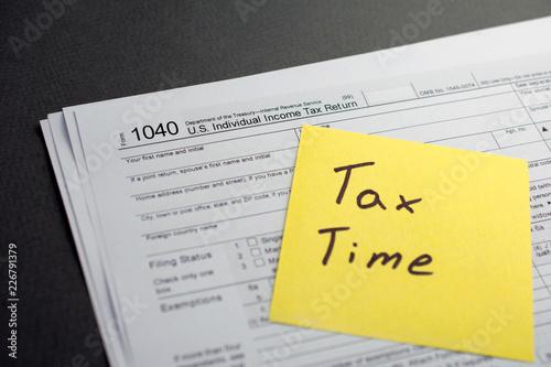 Obraz na płótnie Time for Taxes Money Financial Accounting Concept