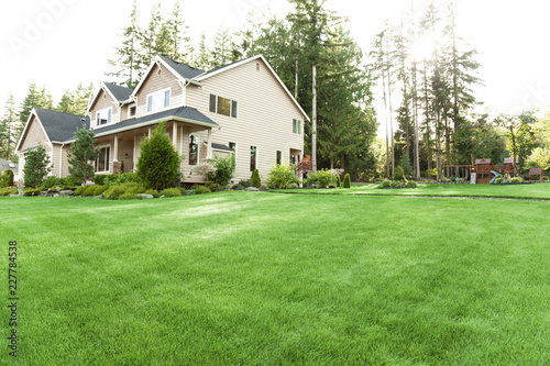 house with lawn and garden Fototapeta