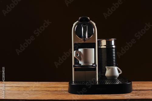 Canvastavla A capsule coffee / espresso machine