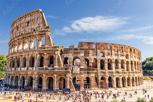 The Roman Colosseum in summer Fototapet