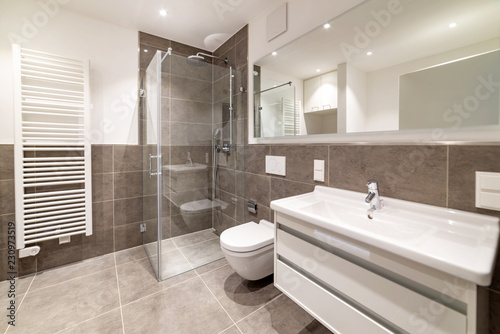 Photo Badezimmer mit Dusche