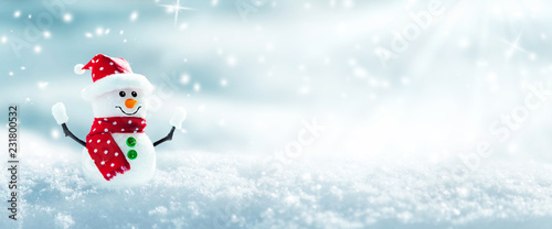 Photo Snowman In Snowy Winter Wonderland