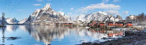 Obraz na plátně Reine auf den Lofoten im Winter