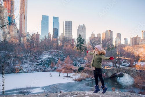 Foto Adorable girl in Central Park at New York City