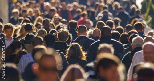 Fotografia Crowd of people walking street