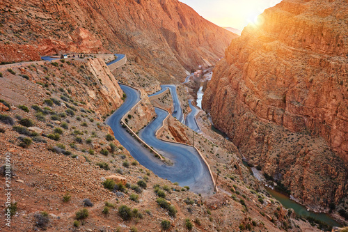 Fotografia Dades Gorge is a gorge of Dades River in Atlas Mountains in Morocco