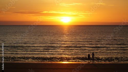 Fotografija Sunset over Darwin Beach in the Northern Territory, Australia.