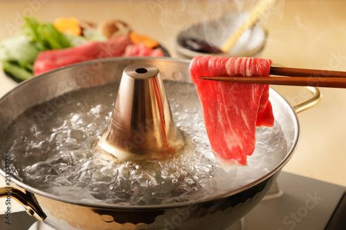 牛肉のしゃぶしゃぶ Shabu-shabu of beef slice