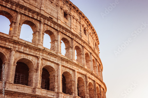 Valokuva Scenic sunset over the Colosseum