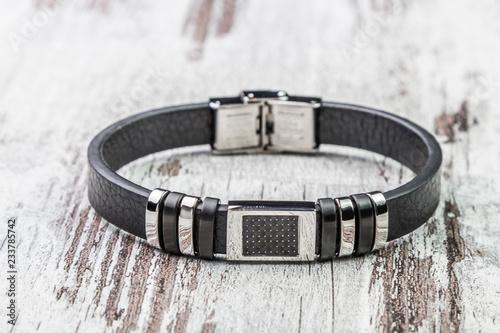 Carta da parati men's bracelet fashion