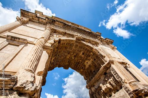 Fotografia Arch of Titus in Rome, Italy