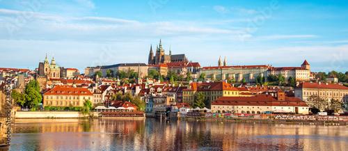 Obraz na plátně The beautiful landscape of the old town and the Hradcany (Prague Castle) with St