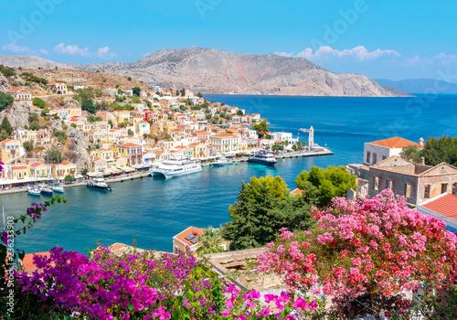 Fototapeta premium Pejzaż miejski Symi, wyspy Dodecanese, Grecja