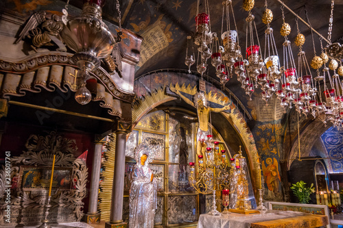 Photo Golgotha in Aramic, Calvary in Latin The 12th Station of the Via Dolorosa at the Church of the Holy Sepulchre, the place of the Crucifixion, Jerusalem, Israel