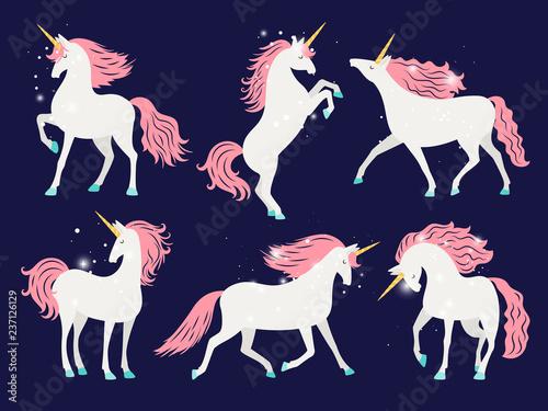 Photo White unicorn with pink mane
