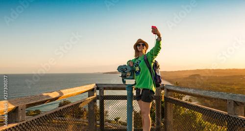 Valokuva Happy girl take selfie