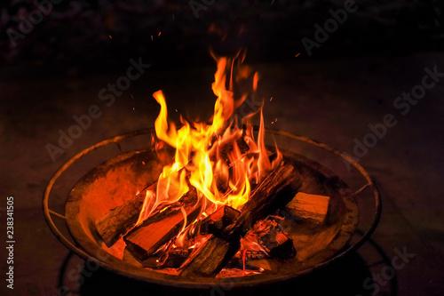 焚き火の夜 Quiet bonfire outdoors Fototapeta
