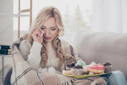 Fotografia Portrait of broken heart dumped by boyfriend girlfriend gloomy worried wavy-hair