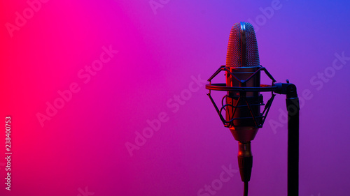Cuadros en Lienzo Close the studio condenser microphone with real-time anti-vibration mount with backlight