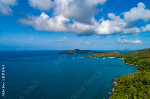 Obraz na plátne Aerial view of beautiful island at Seychelles in the Indian Ocean