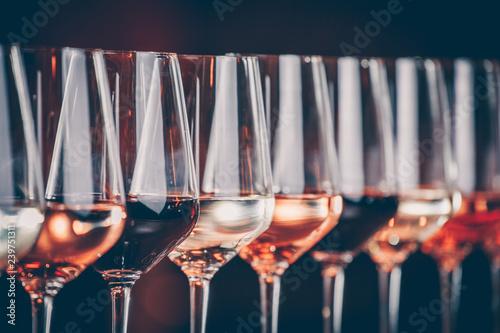 Fotografie, Tablou Wine glasses in a row