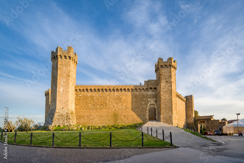 Stampa su Tela Front view of Montalcino medieval fortress