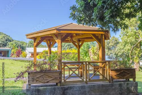 Photographie kiosque public de picnic, Bois Blanc, île de la Réunion