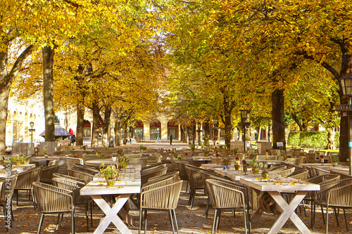 Munich, Germany - fine weather in November, we can still eat outside! A beer gar Fototapete