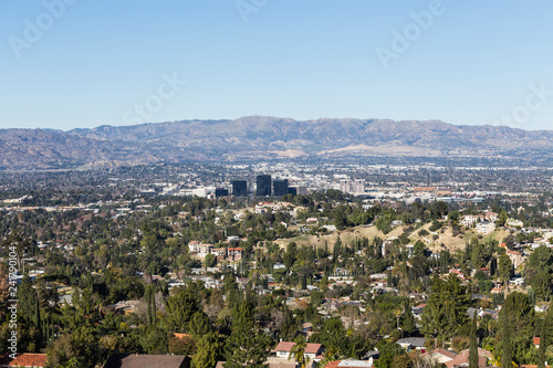 Fotografie, Tablou Clear day view of Woodland Hills in the west San Fernando Valley area of Los Angeles, California