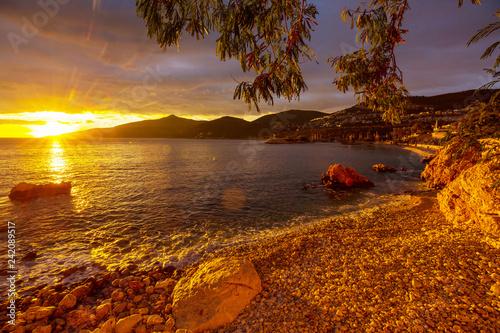 Fototapeta premium Zachód słońca nad morzem