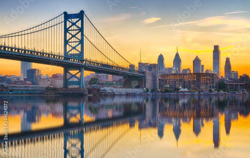 Fotografie, Obraz Philadelphia Sunset Skyline Refection