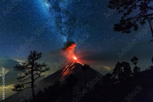 Stampa su Tela Erupting Volcano, El Fuego, Guatemala, 21. 04. 2018