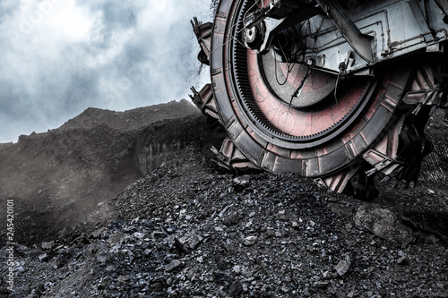 Canvas Print Giant bucket wheel excavator in coal mine
