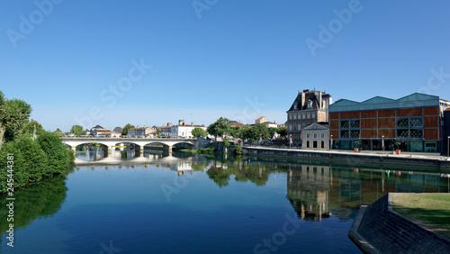 Fotografie, Obraz La Charente à Jarnac, Gondeville, Nouvelle-Aquitaine, France