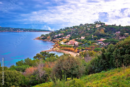 Obraz na plátně Saint Tropez luxurious coastline and green landscape view, famous tourist destin