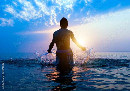 Fotografia Happy Man in the Water