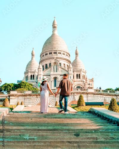 Photo Sacre Coeur Cathedral in Montmartre, Paris, France, hill of Montmartre Paris wit