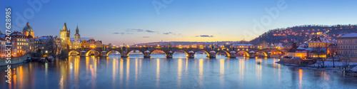 Fotomural Panoramic View of Charles Bridge - Prague, Czech Republic