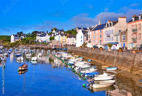 Canvas-taulu france; brittany,belle-île-en-mer  island  : sauzon port