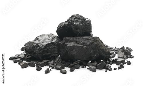 Fotografia black coal chunks isolated on white background