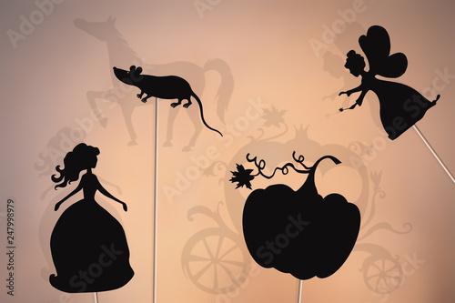 Canvastavla Cinderella storytelling, shadow puppets.