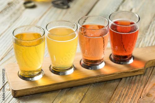 Obraz na płótnie Refreshing Hard Cider Flight