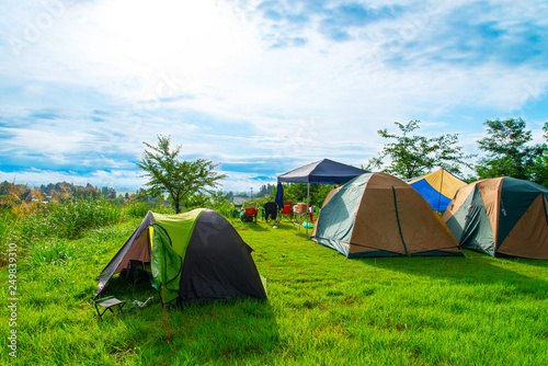 Obraz na plátně 写真素材:キャンプ、テント、キャンプ場、レジャー