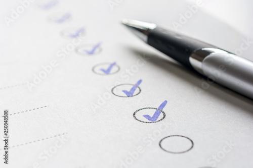 Canvas Print Haken an erledigte Aufgaben auf einer Liste
