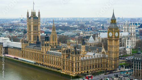 Obraz na plátně 3917_The_back_view_of_the_Palace_of_Westminster_in_London.jpg